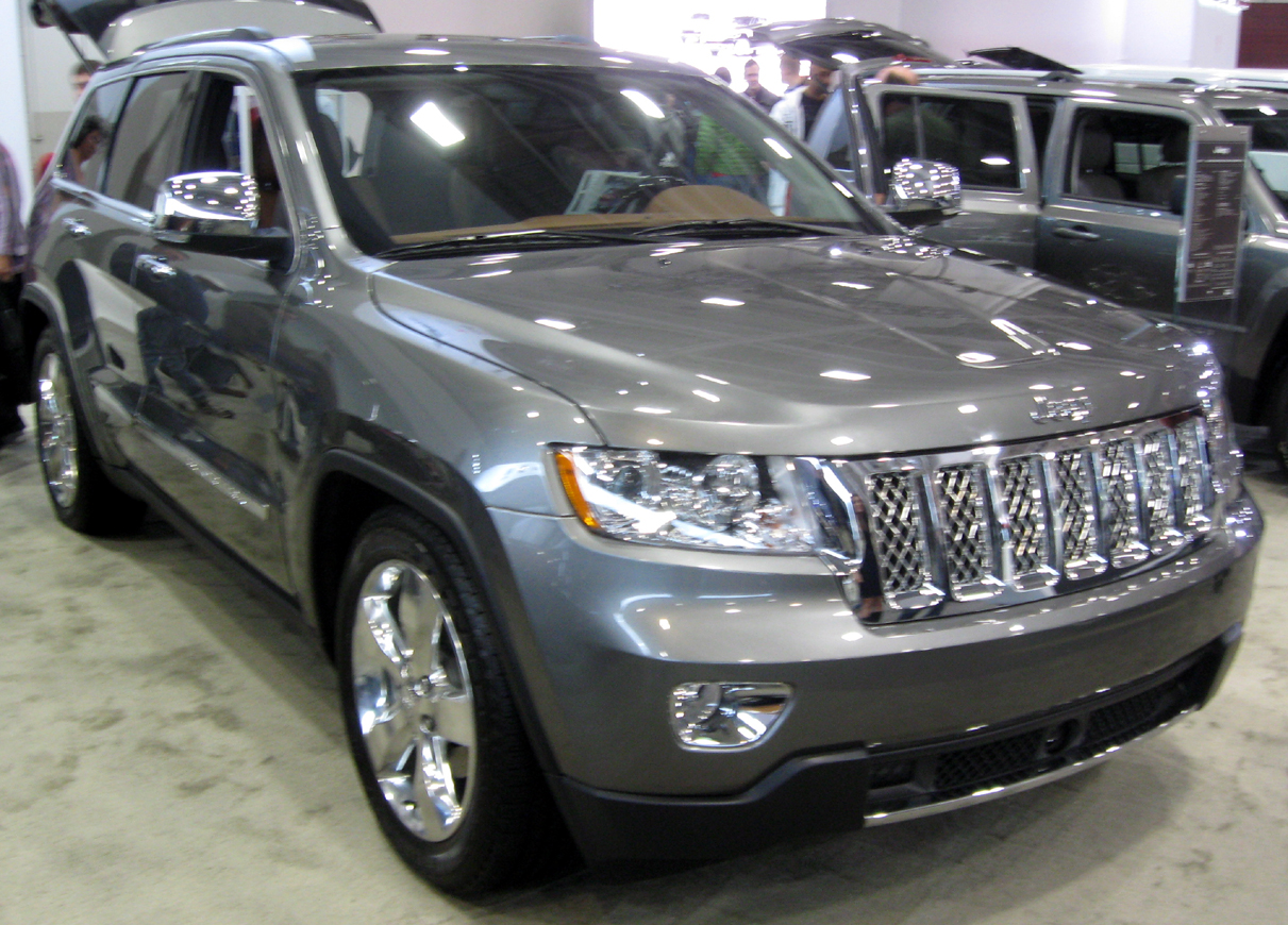 Jeep Grand Cherokee Overland photo 01