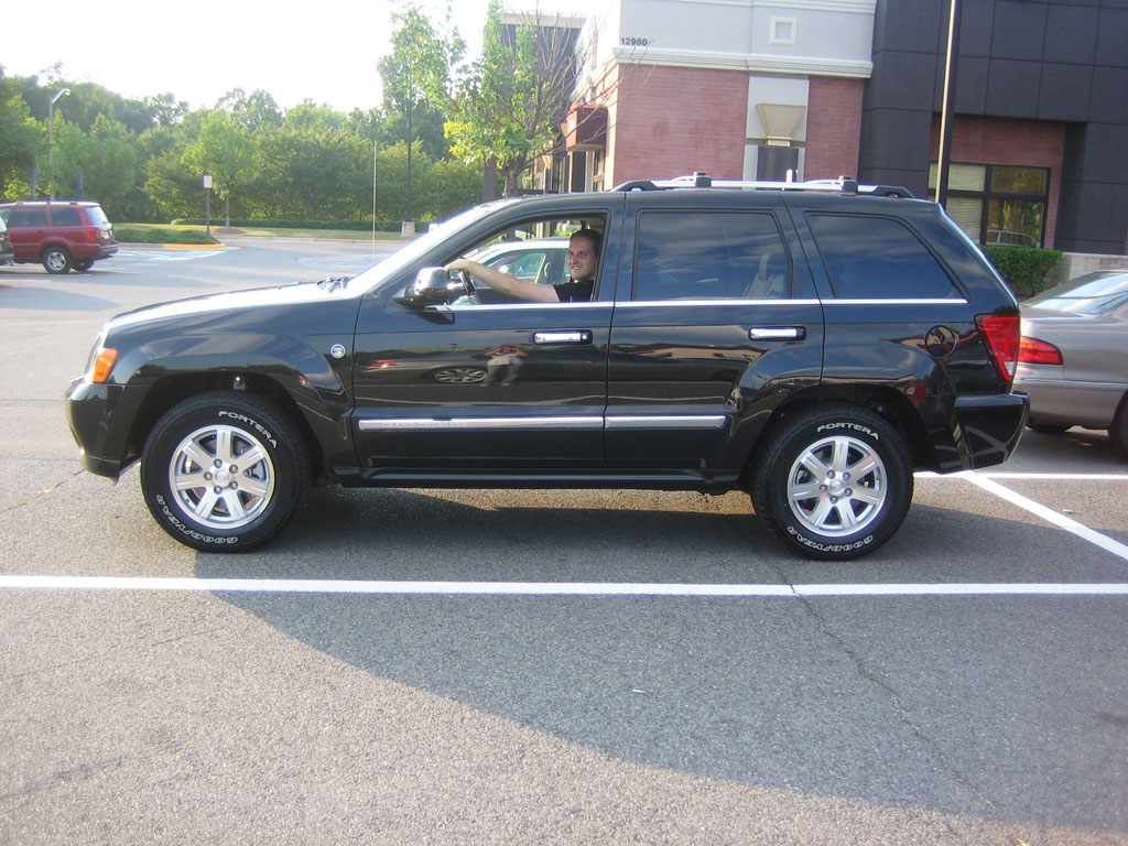 Jeep Grand Cherokee Overland photo 08