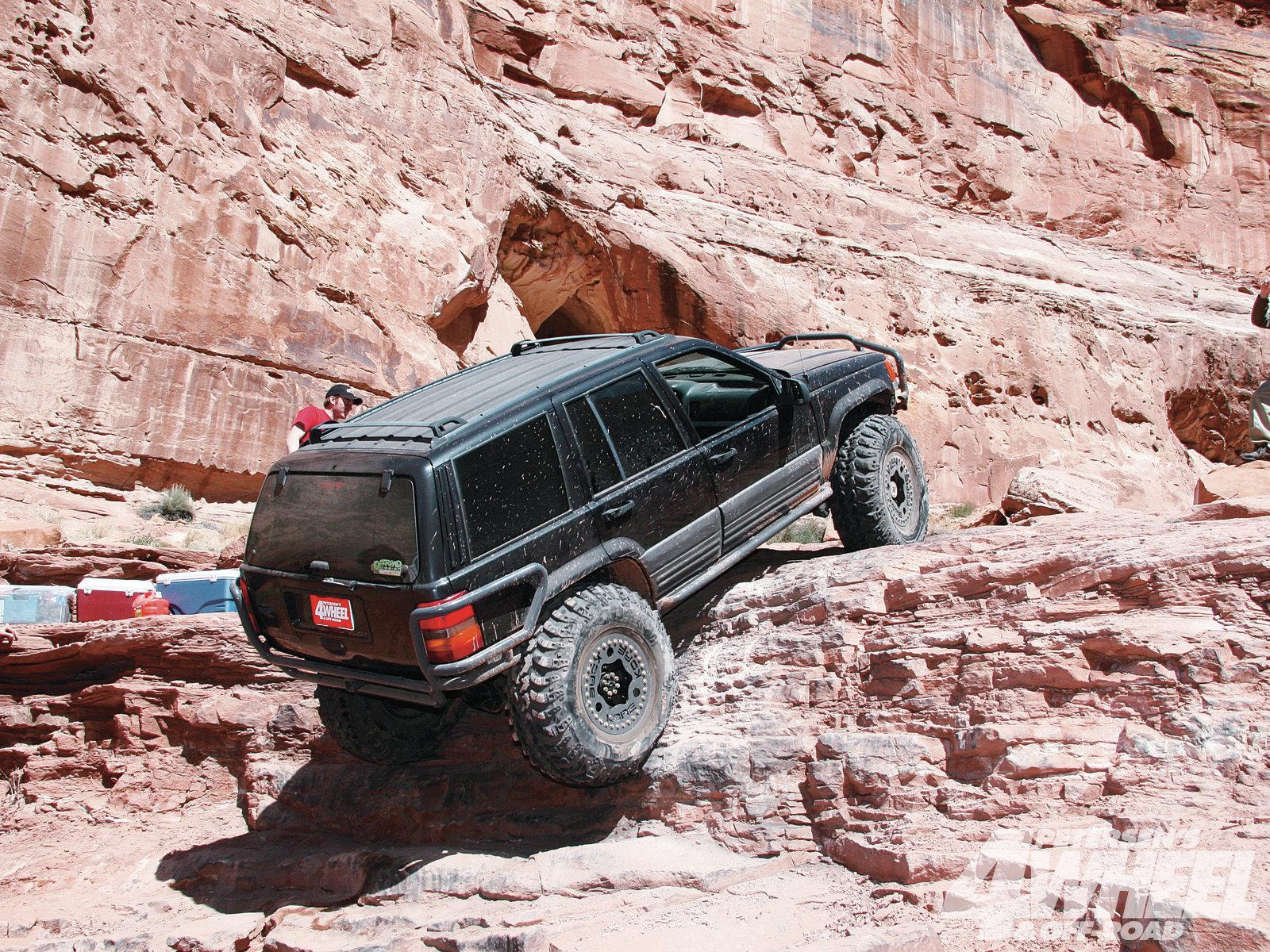 Jeep Grand Cherokee ZJ photos #8 on Better Parts LTD