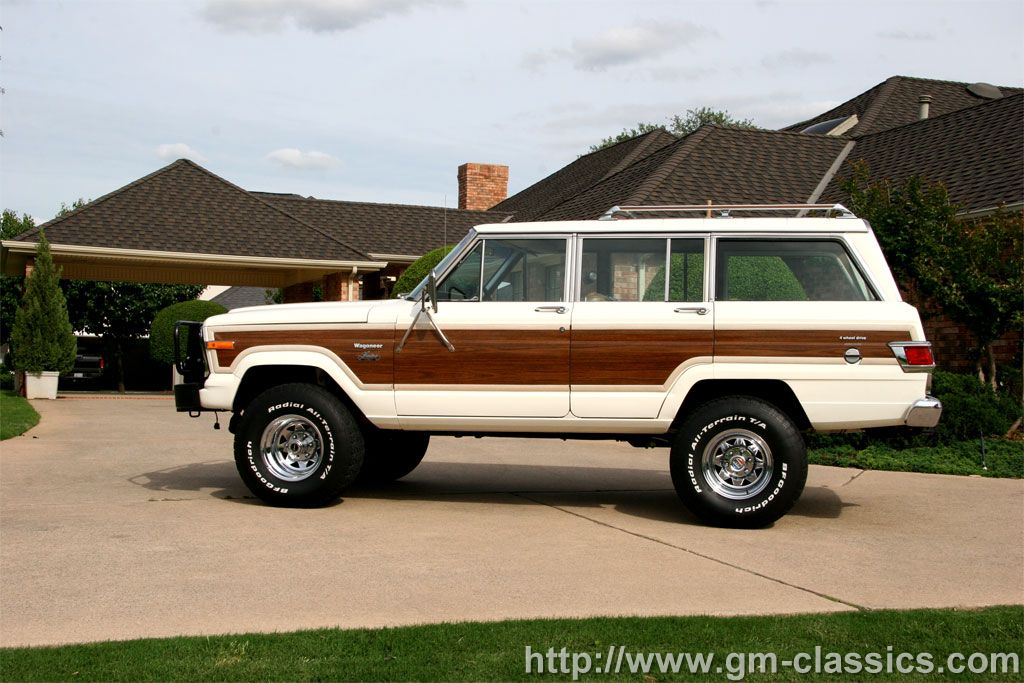 Jeep Wagoneer photo 02