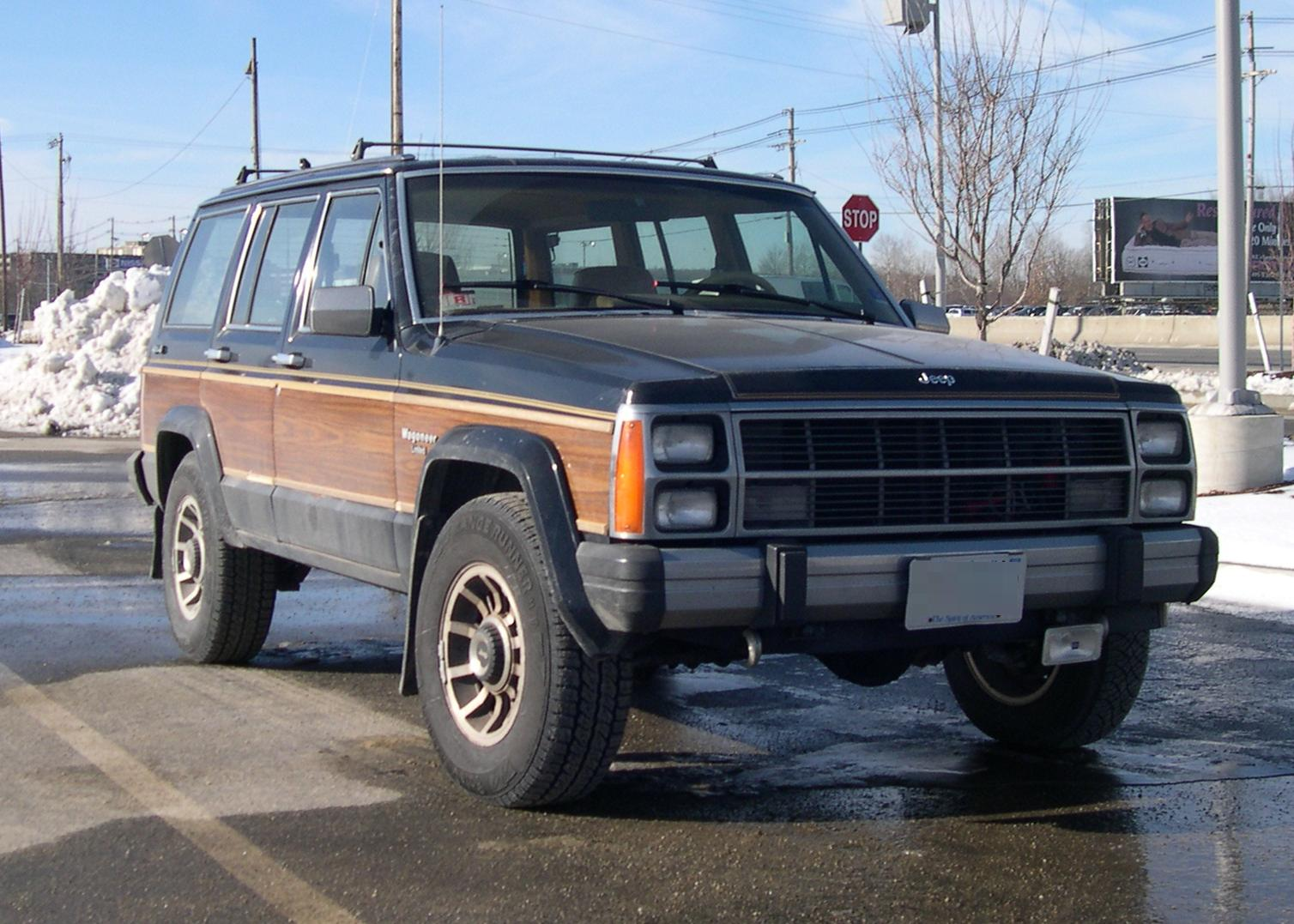 Jeep Wagoneer photo 07