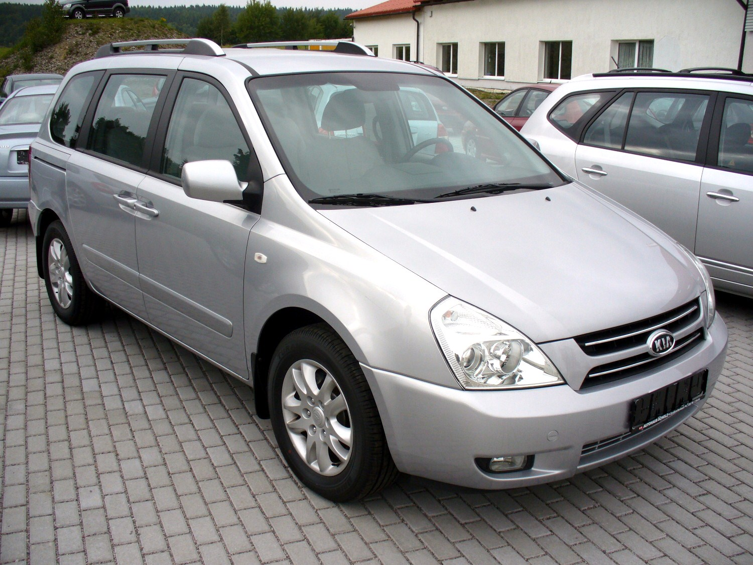 Kia Carnival 2.9 CRDi photo 02