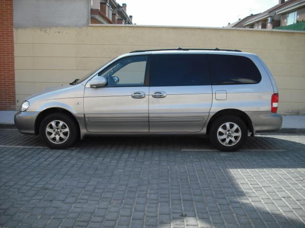 Kia Carnival 2.9 CRDi photo 06