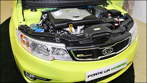 Kia Forte LPI Hybrid photo 07