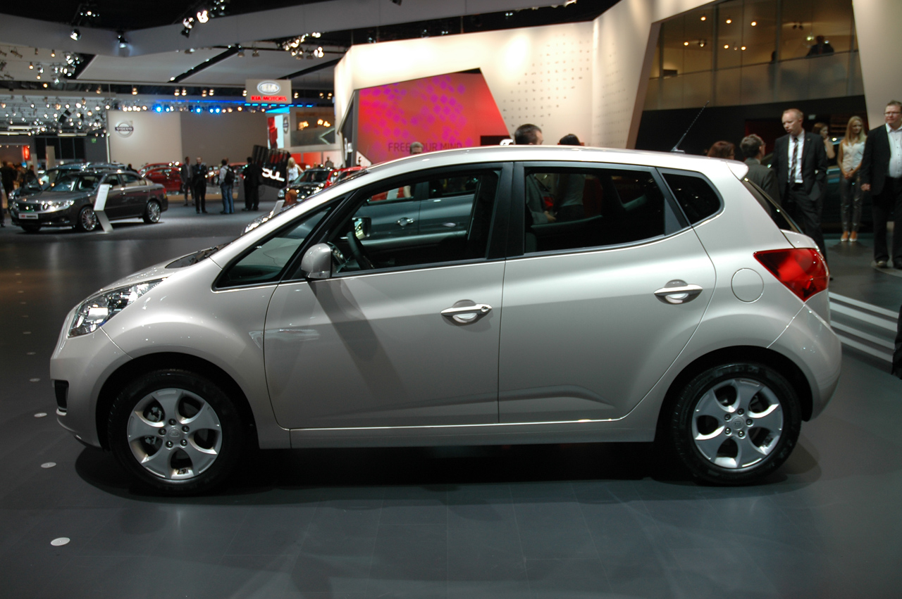Kia Venga photo 09