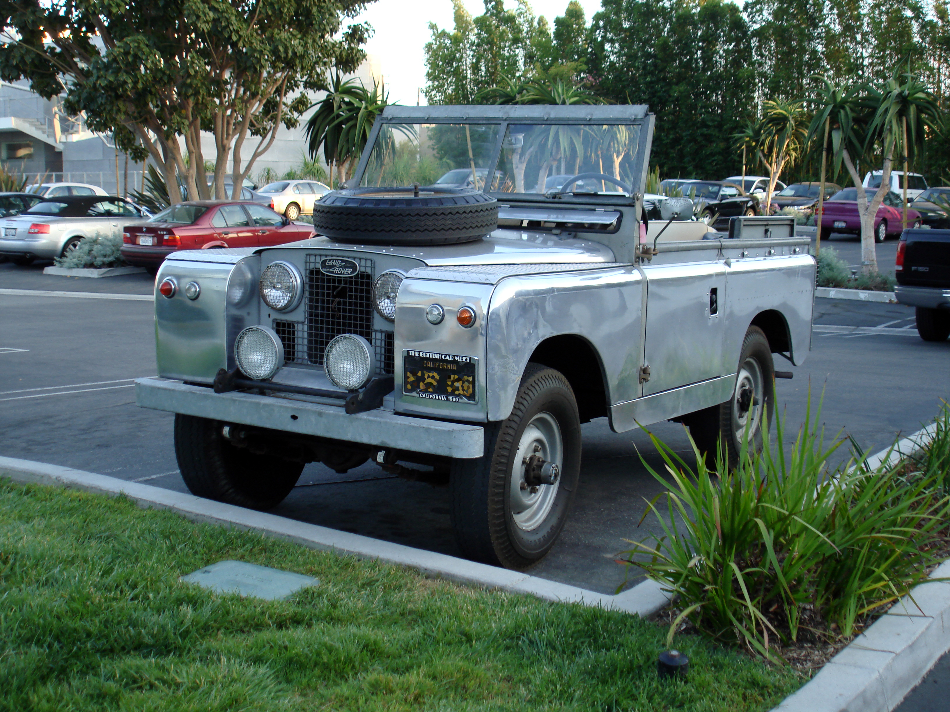 Land-Rover Series image #2