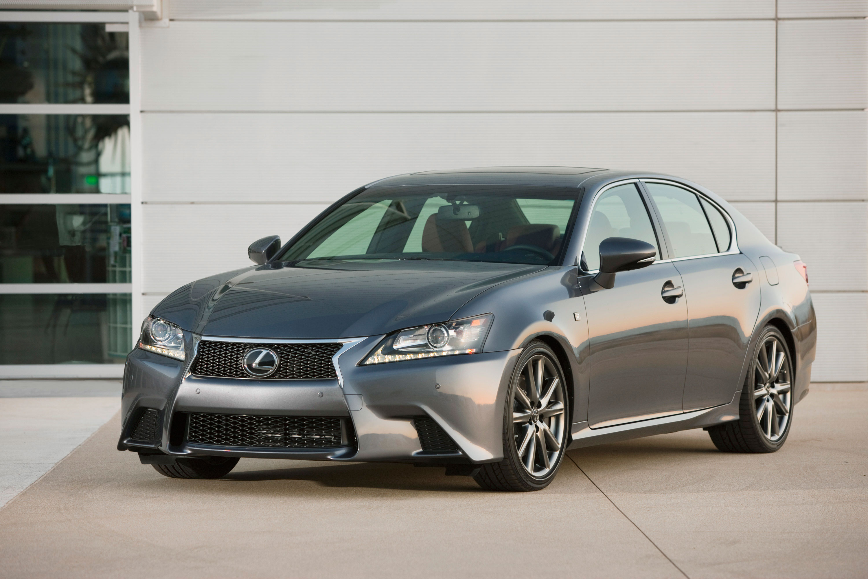 Lexus GS photo 05