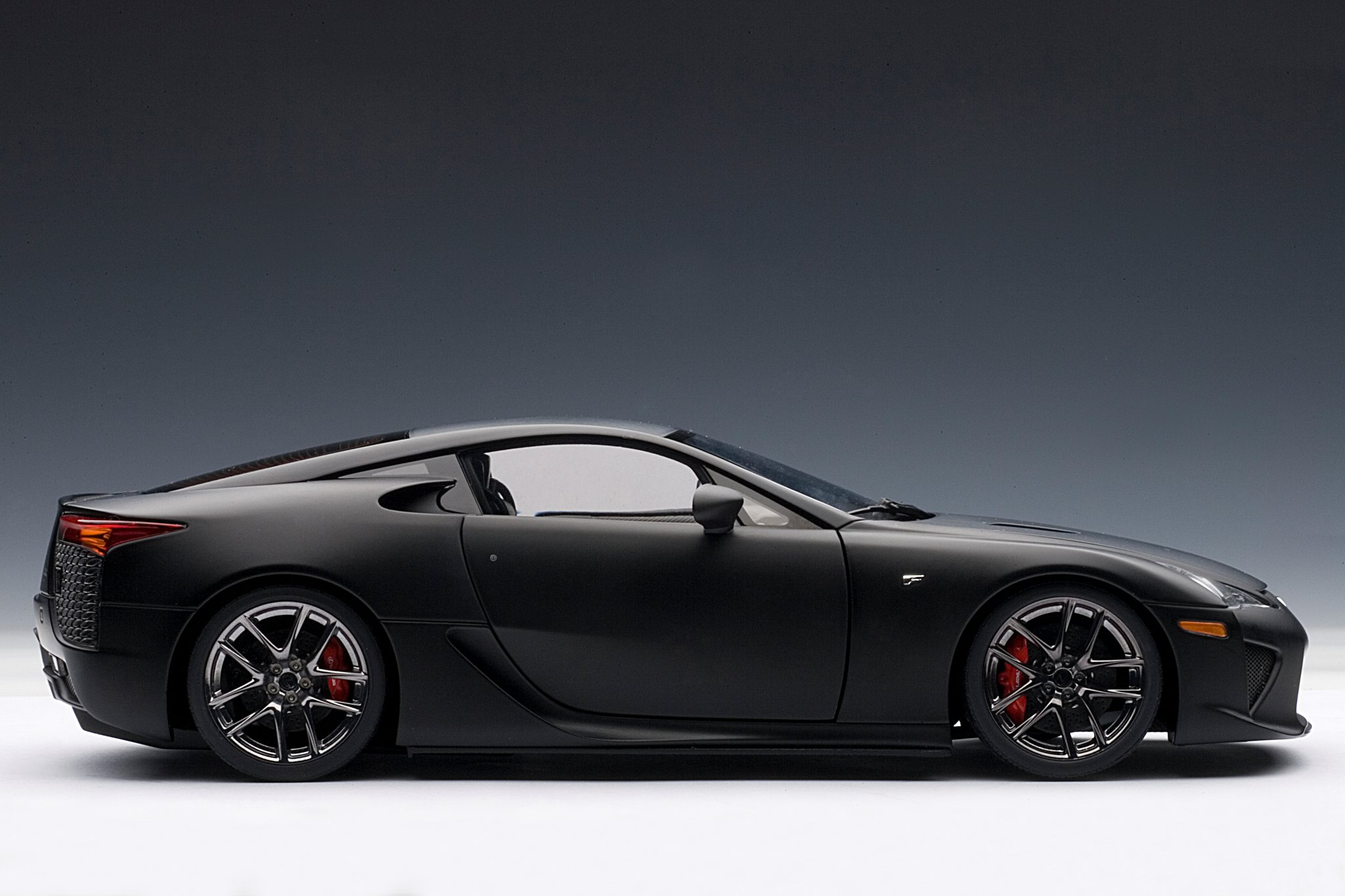 Lexus LFA photo 08
