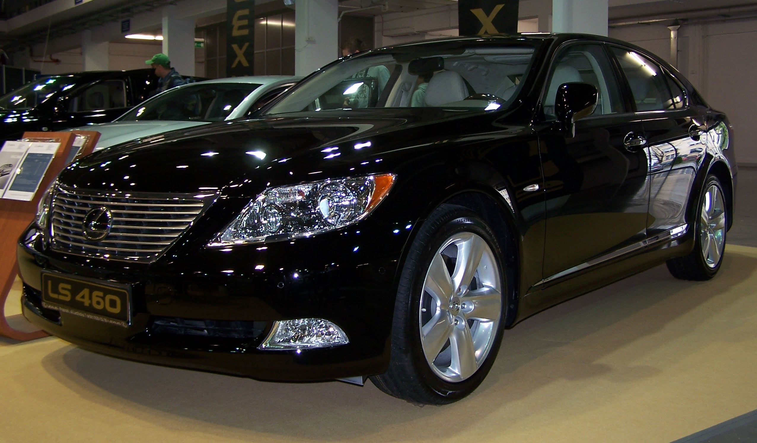 Lexus LS 460 photo 03