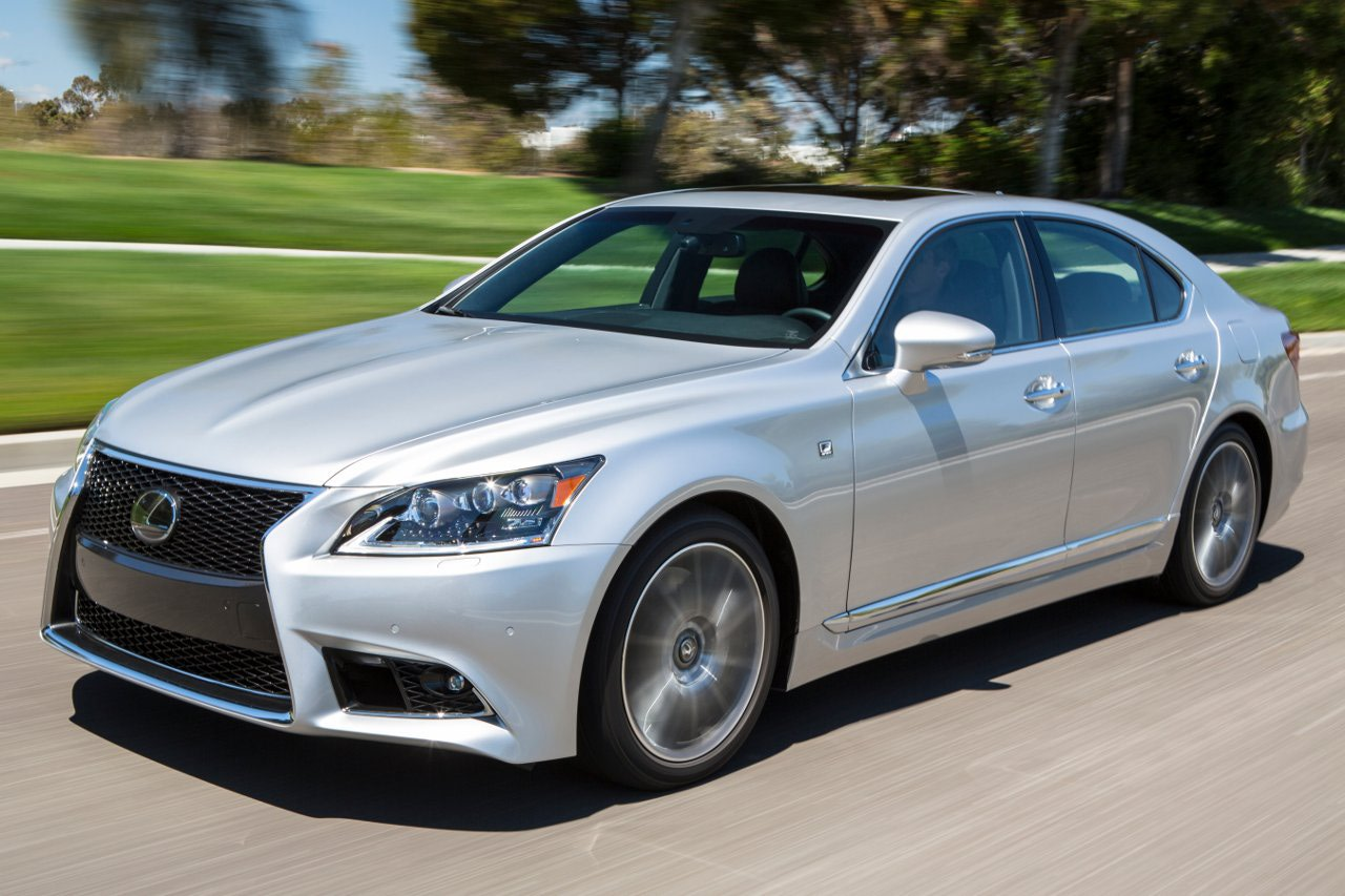 Lexus LS 460 photo 10