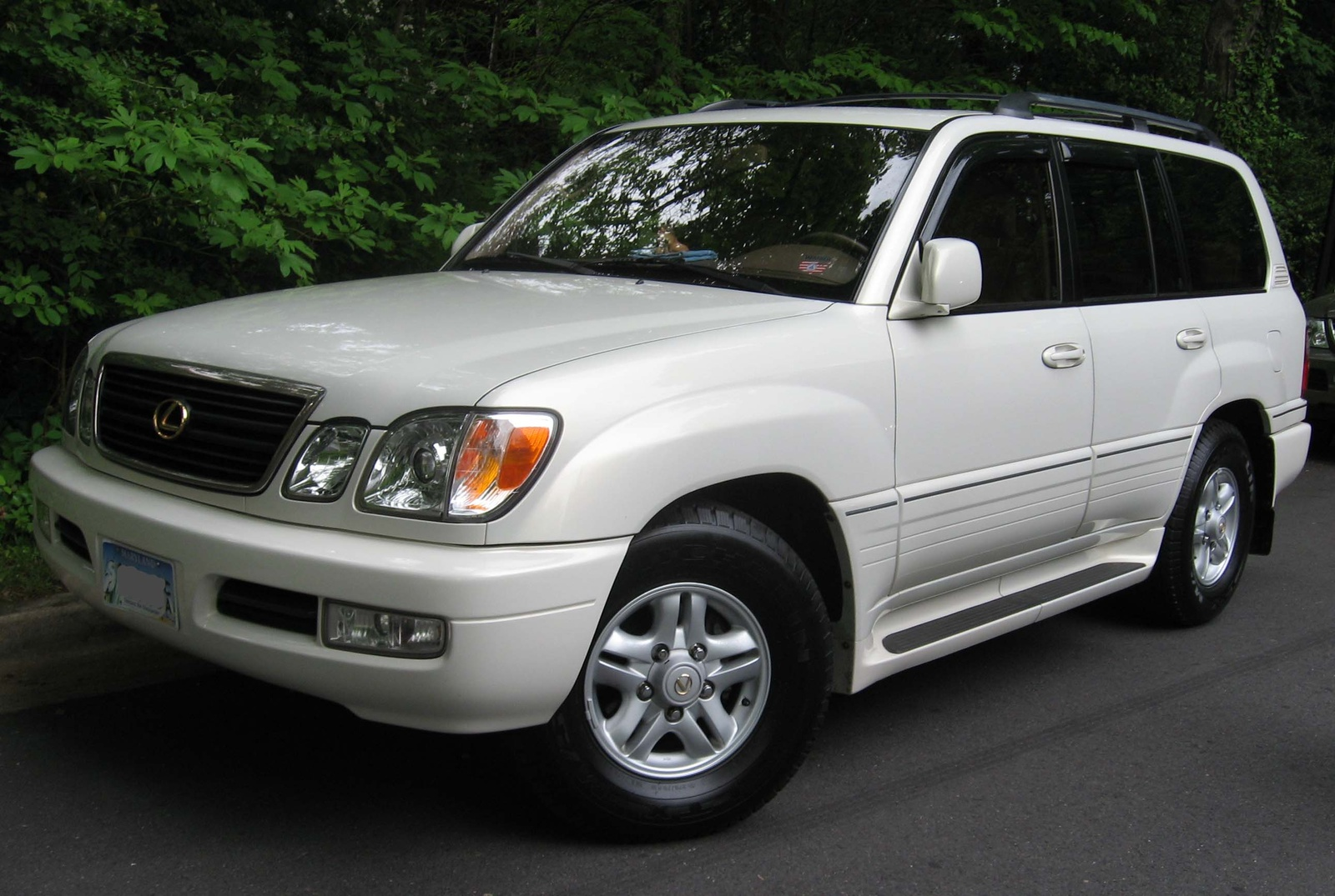 Lexus LX 470 photo 05