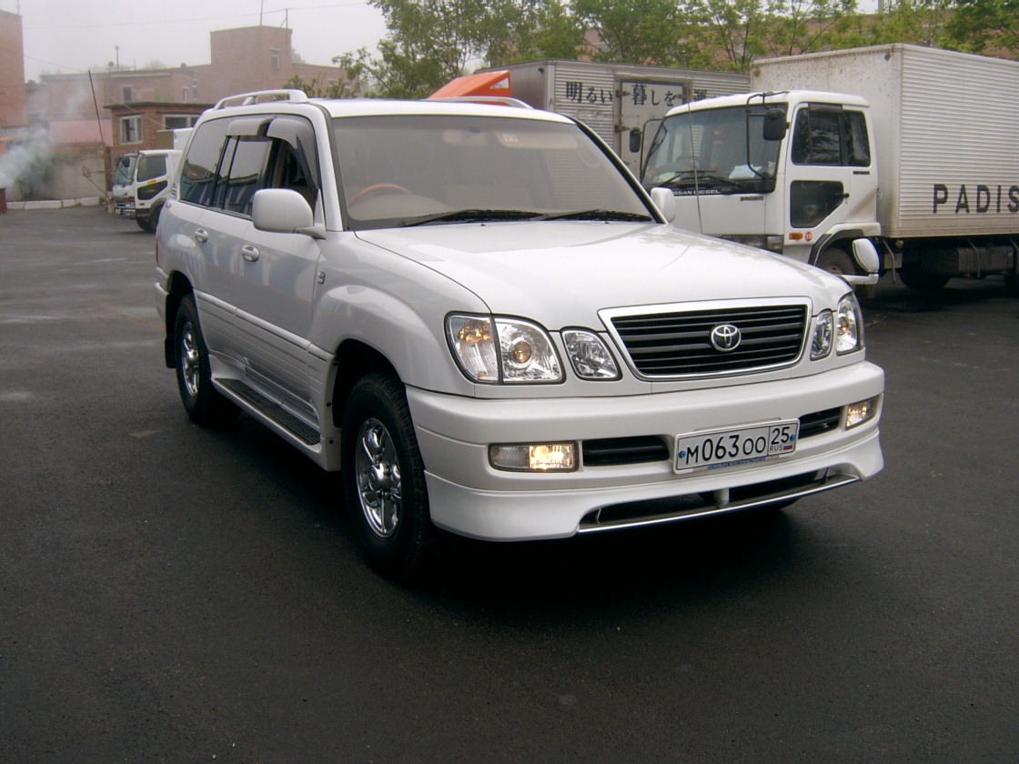 Lexus LX 470 photo 06