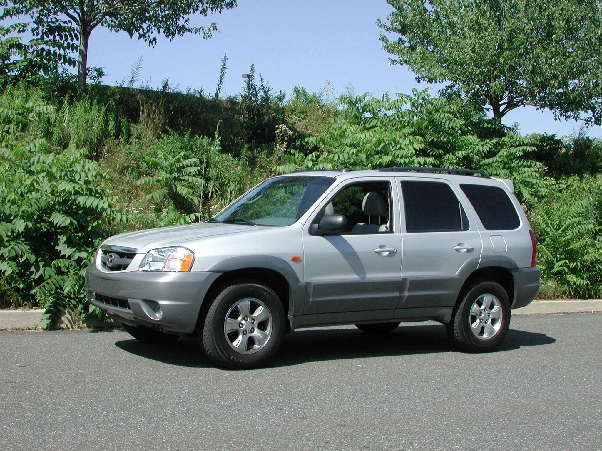 Mazda Tribute photo 03