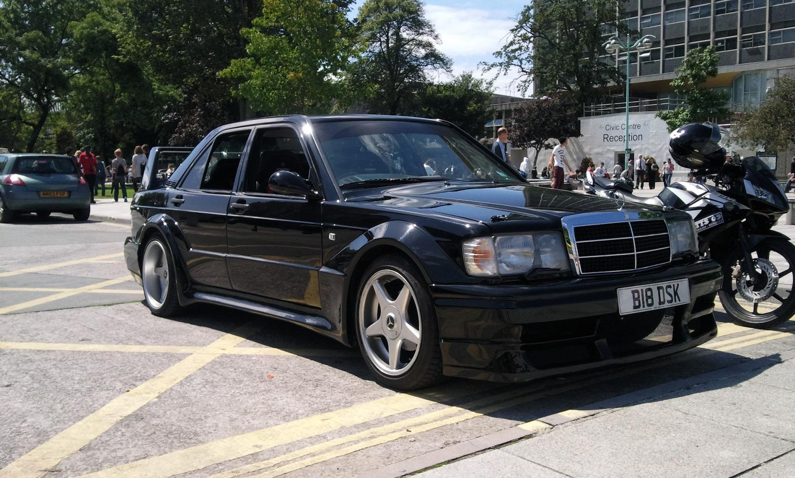 Mercedes benz 190 history photos on better parts ltd for Mercedes benz automobile parts