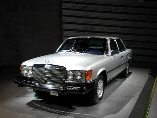 Mercedes-Benz 300 SD photo 02