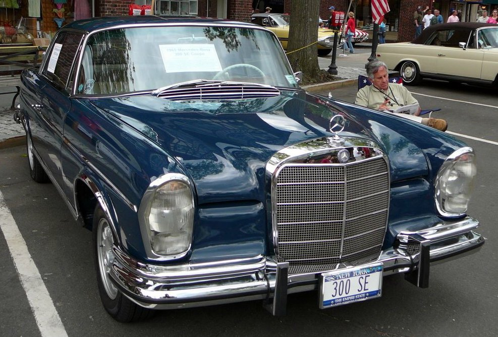 Mercedes-Benz 300 SE photo 02