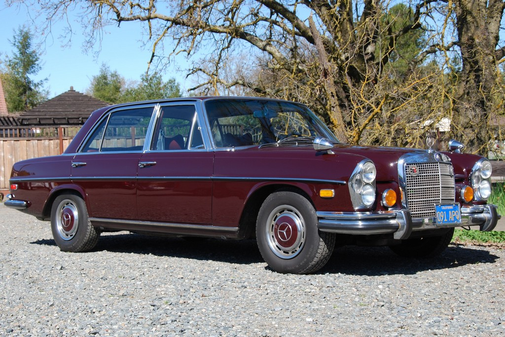Mercedes-Benz 300 SEL 6.3 photo 10