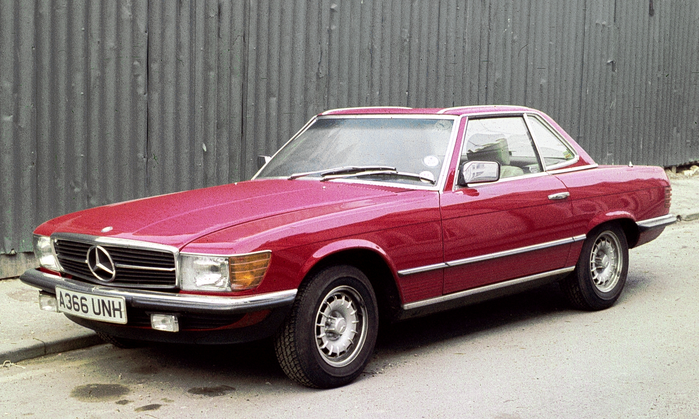 Mercedes-Benz 350 SL photo 01