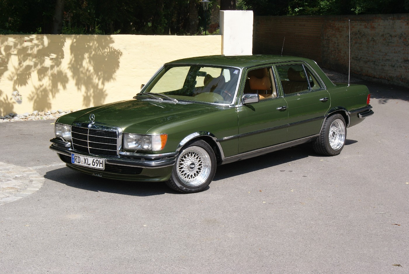 Mercedes benz 450 sel technical details history photos for Parts mercedes benz