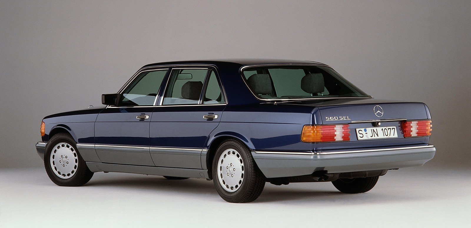 mercedes benz 560 sel technical details history photos
