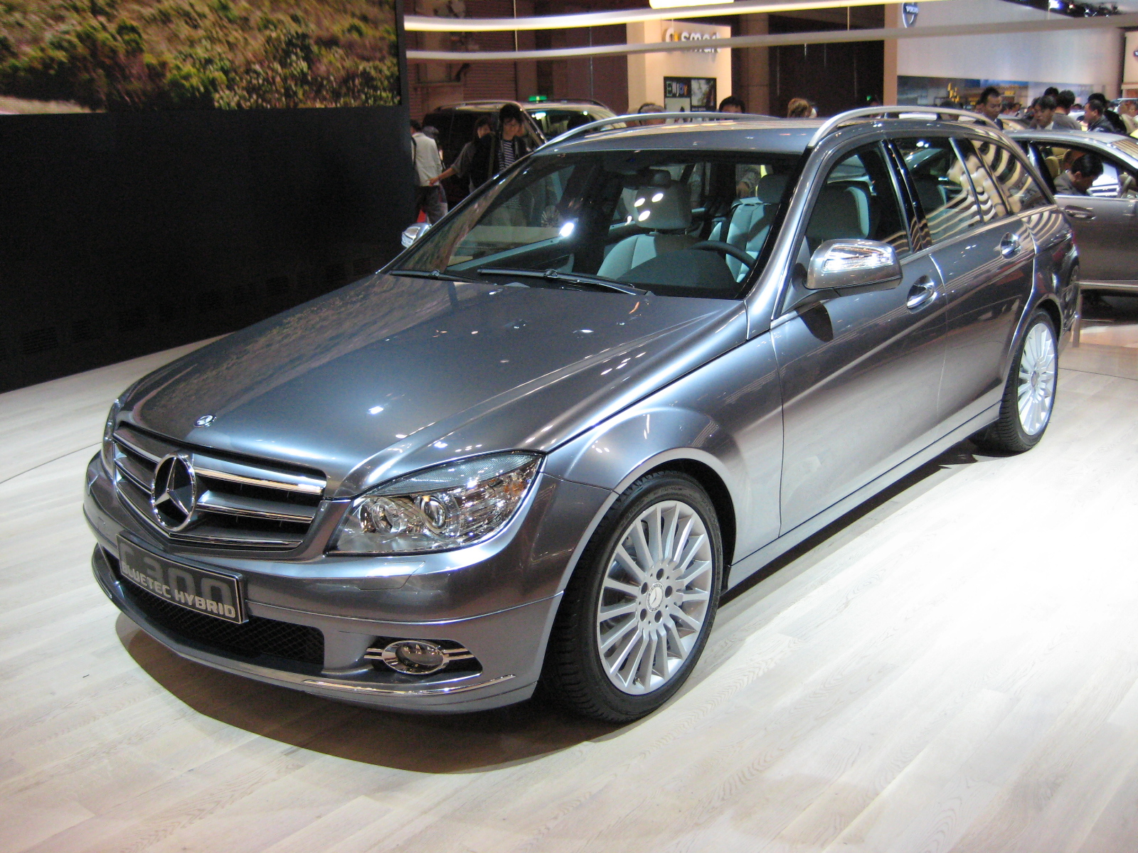Mercedes benz c 300 photos 12 on better parts ltd for Looking for mercedes benz parts