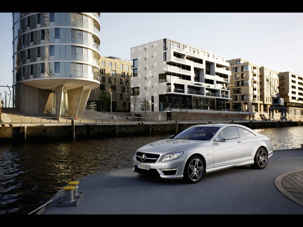 Mercedes-Benz CL 63 AMG photo 13