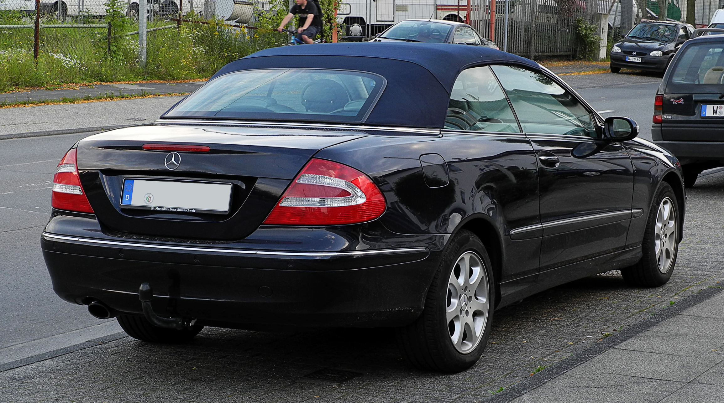 Mercedes-Benz CLK 240 photo 02