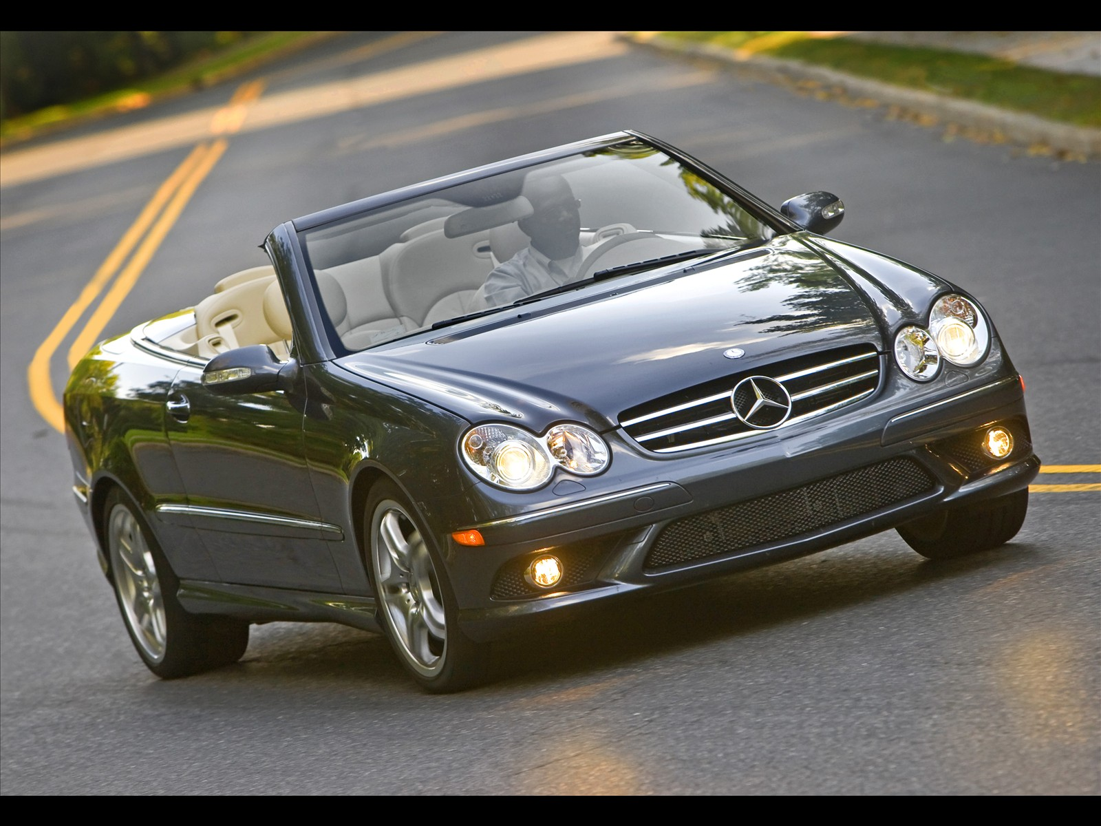 Mercedes-Benz CLK 240 photo 12