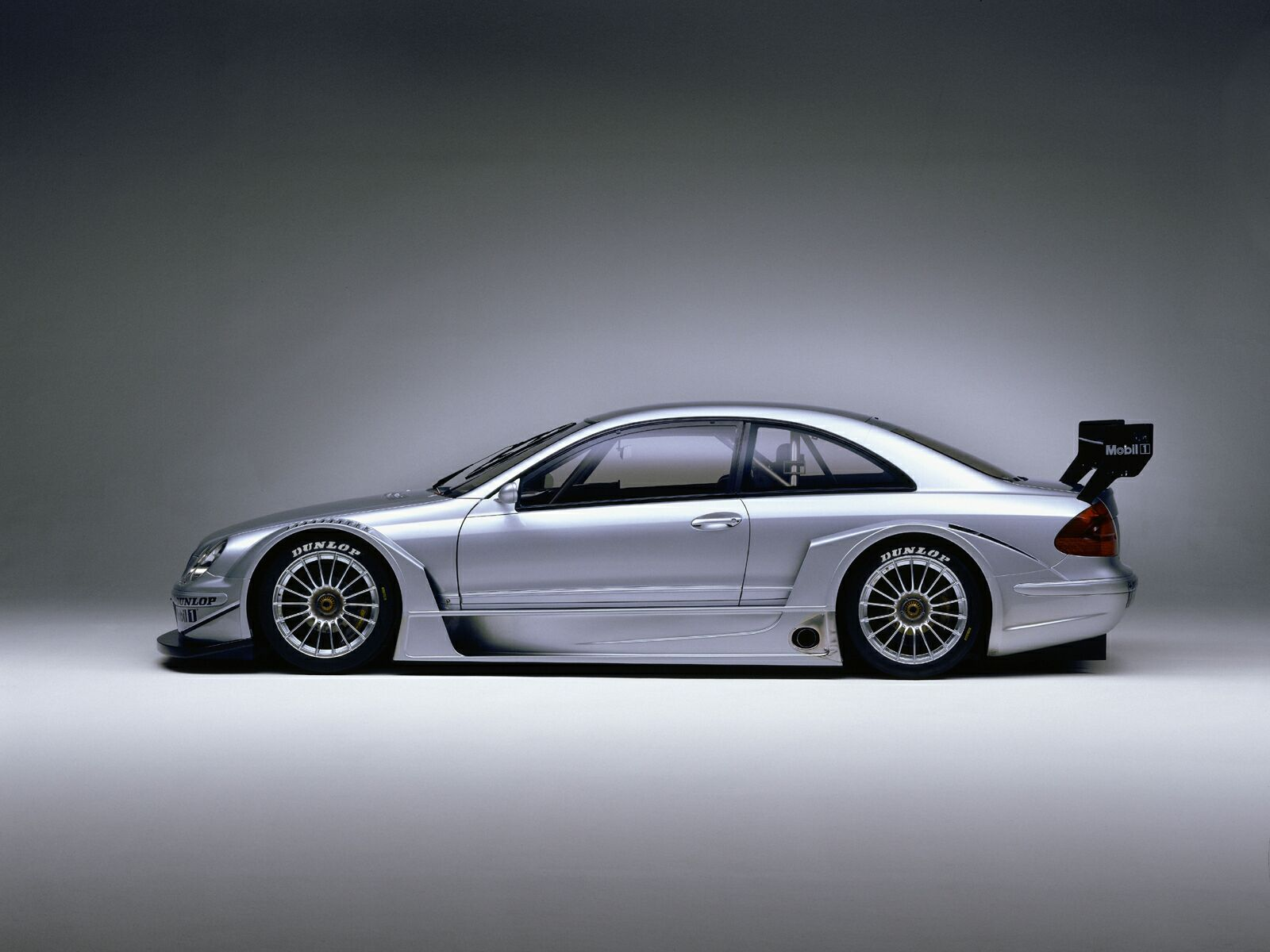 Mercedes-Benz CLK 55 AMG photo 13
