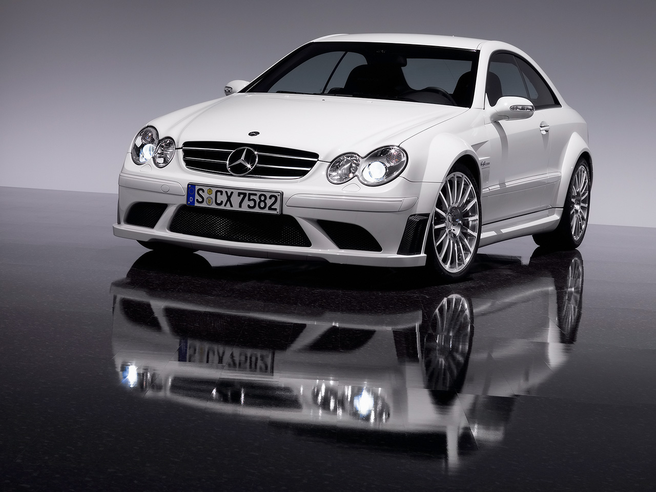 Mercedes-Benz CLK 63 AMG photo 05