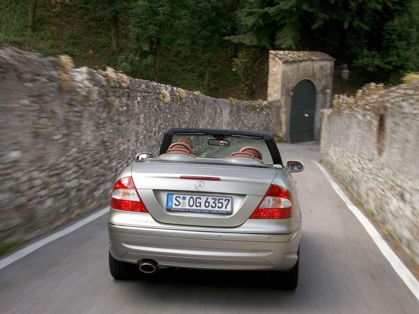 Mercedes-Benz CLK designo by Giorgio Armani photo 03