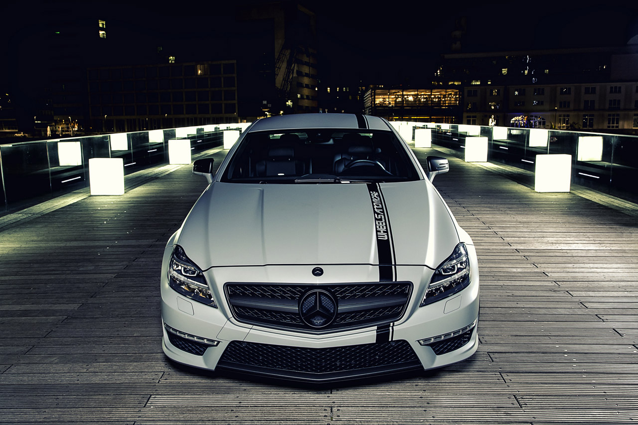 Mercedes-Benz CLS 63 AMG Performance Package photo 04