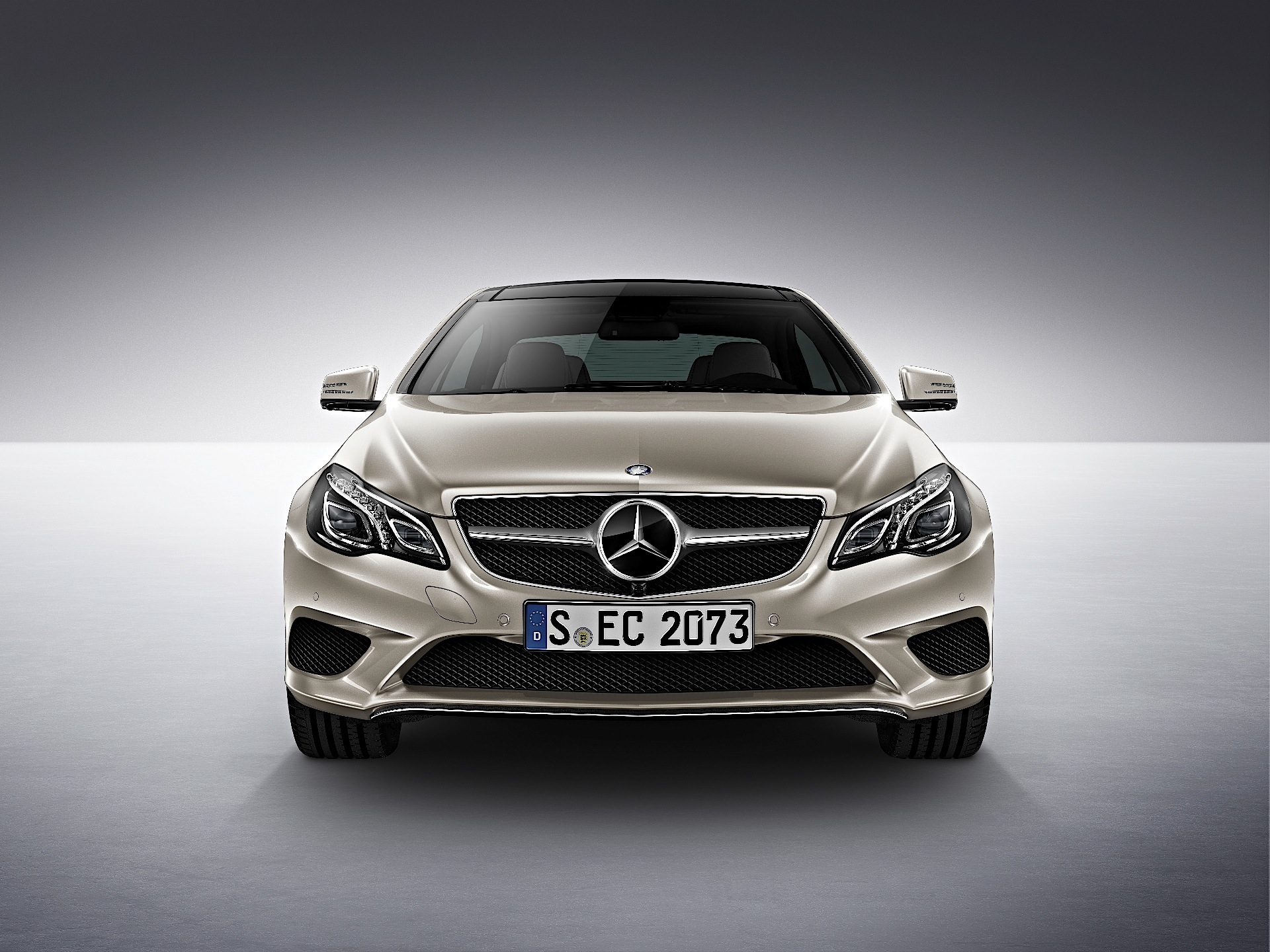 Mercedes-Benz E-Class photo 05
