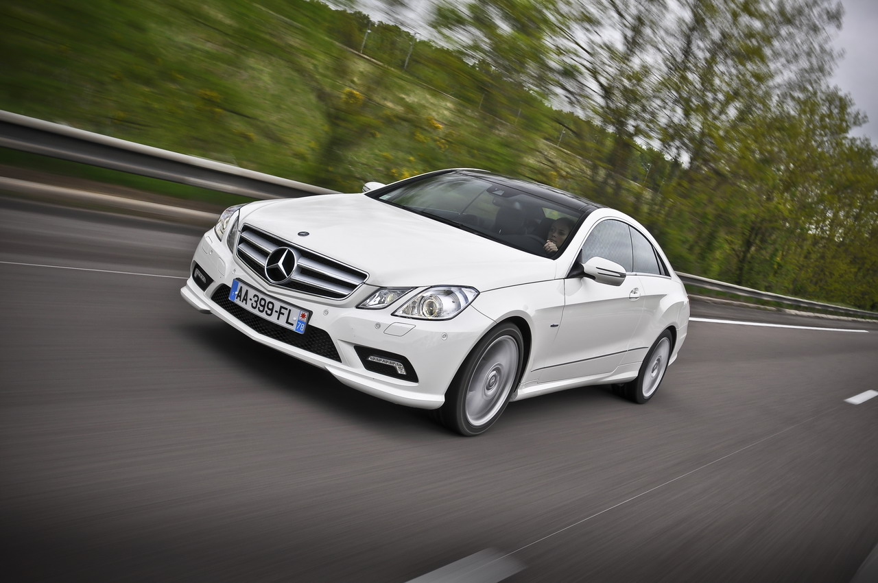 Mercedes-Benz E-Class photo 11