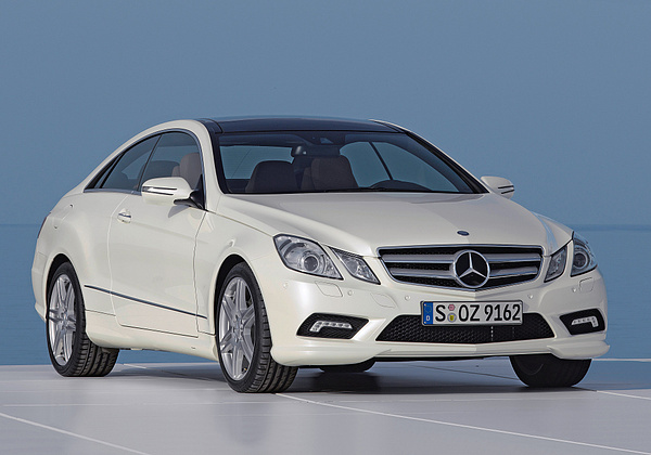Mercedes-Benz E-Class photo 12