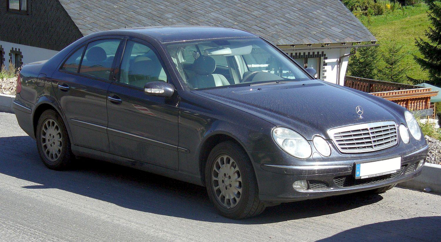 Mercedes-Benz E-Class photo 17
