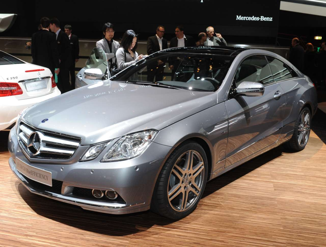 mercedes benz e klasse coupe technical details history. Black Bedroom Furniture Sets. Home Design Ideas