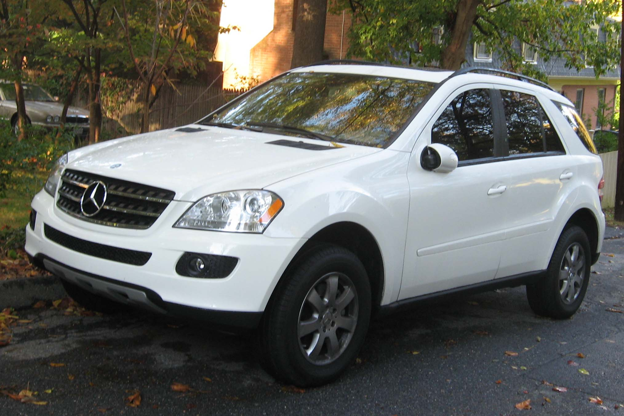 Mercedes benz ml 350 technical details history photos on for Mercedes benz escondido parts