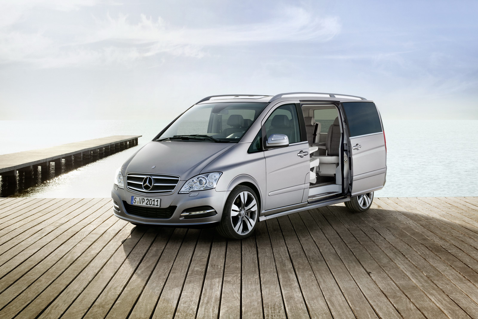 Mercedes-Benz Viano Vision Pearl photo 01
