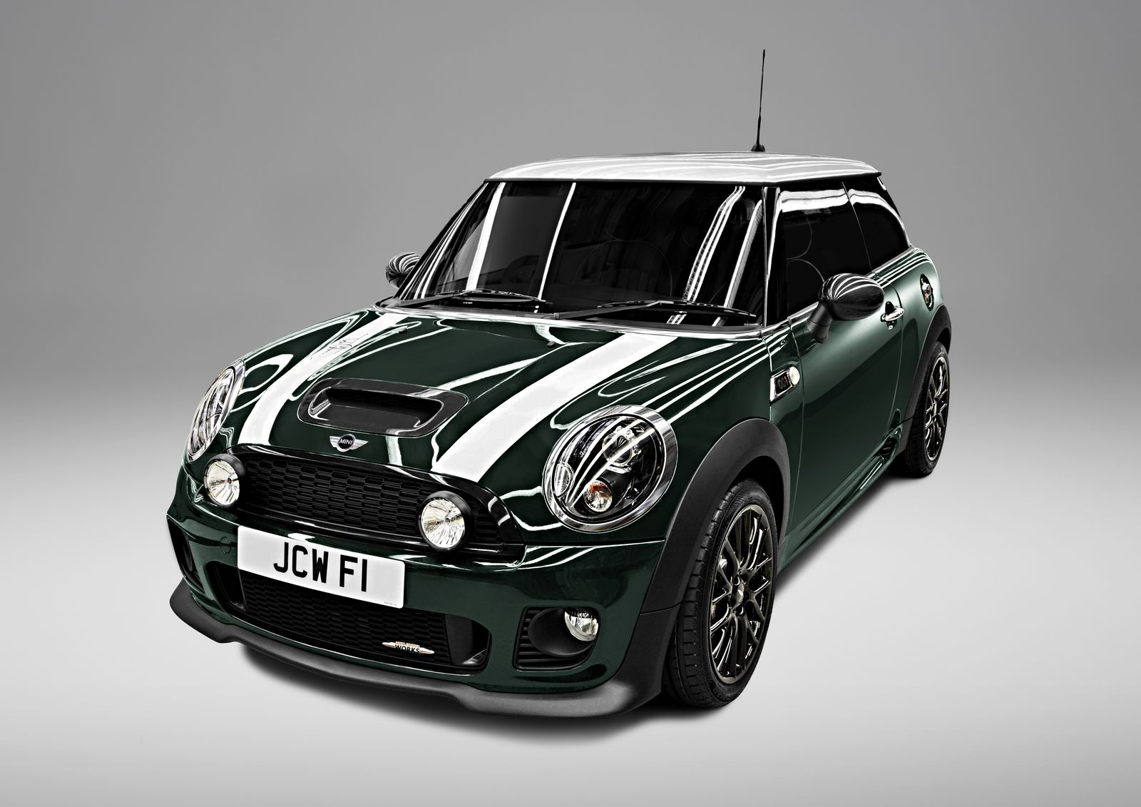 MINI John Cooper Works photo 02