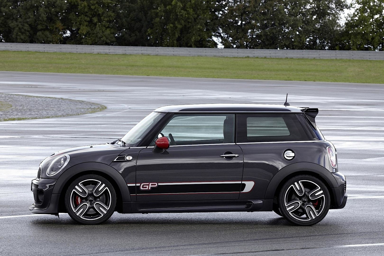 MINI John Cooper Works photo 08