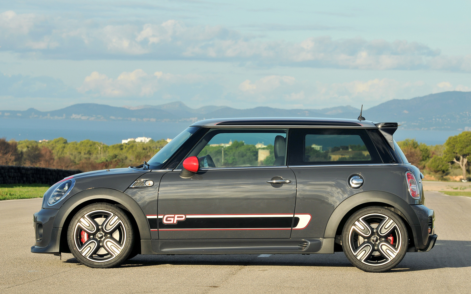 MINI John Cooper Works photo 10