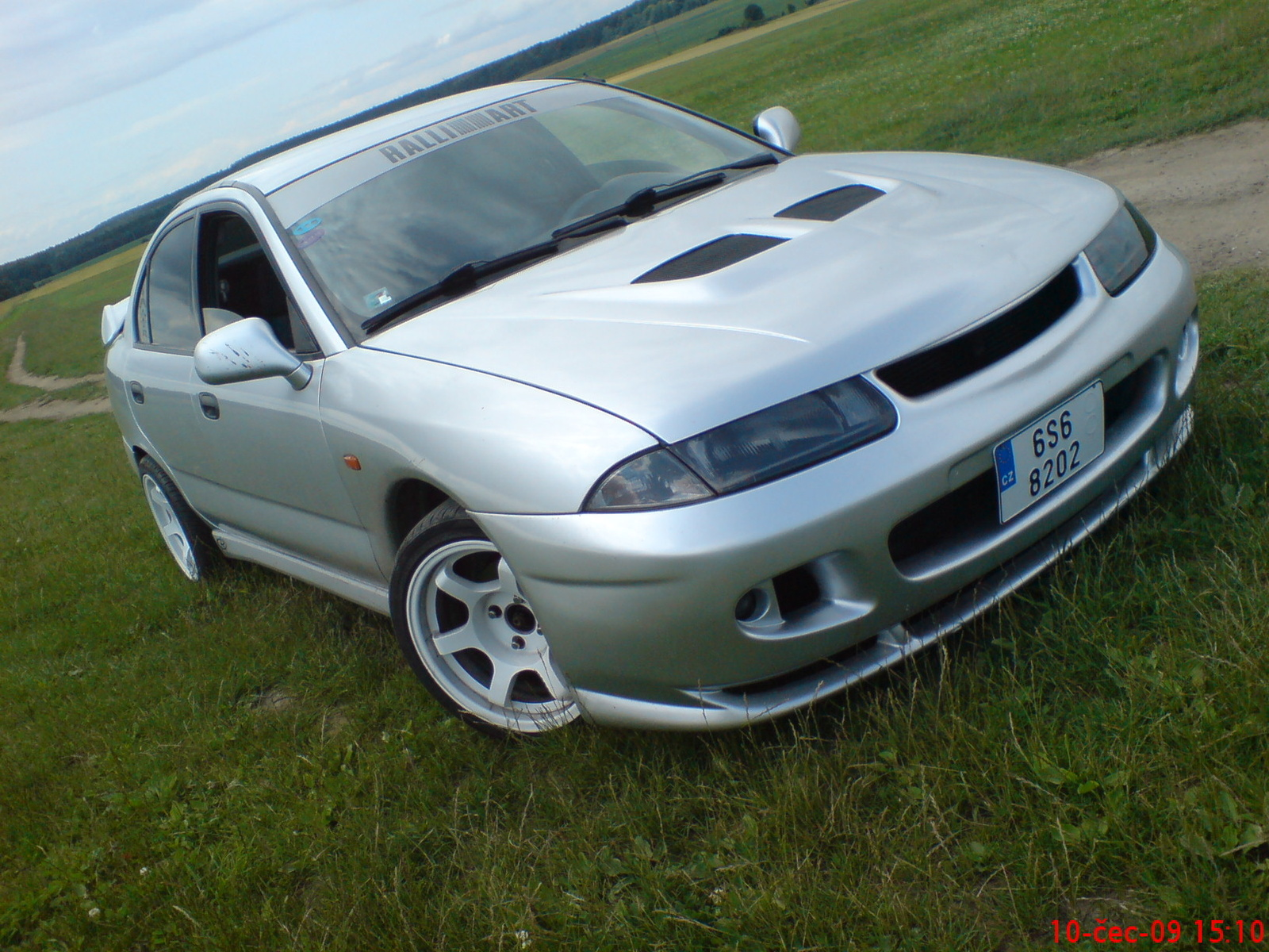 Mitsubishi Carisma Sport Technical Details History