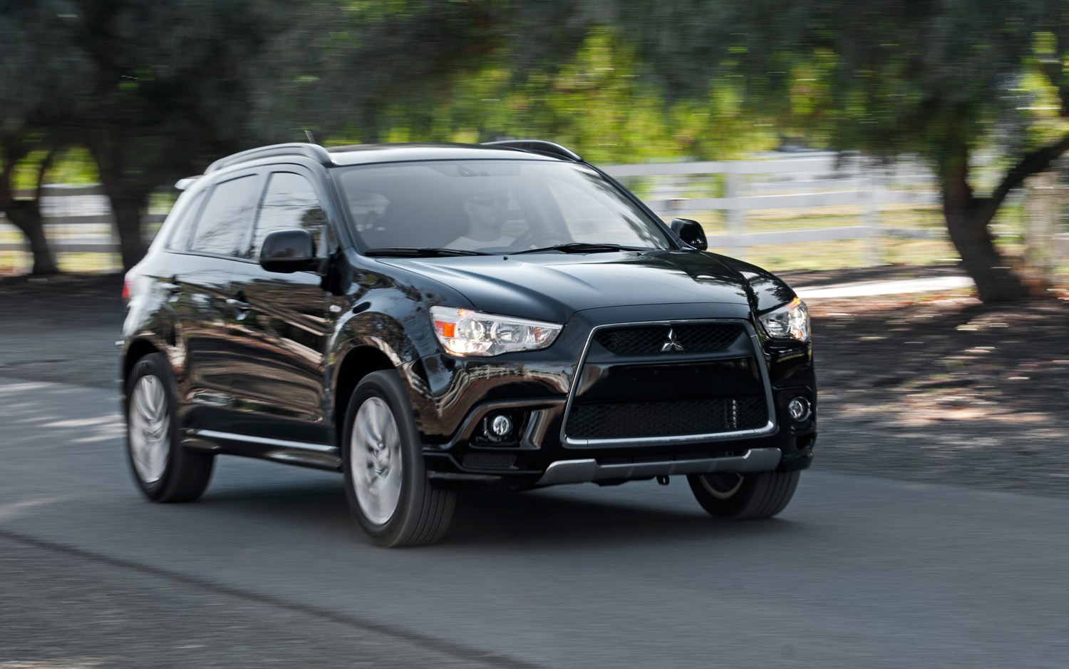 Mitsubishi Outlander photo 03