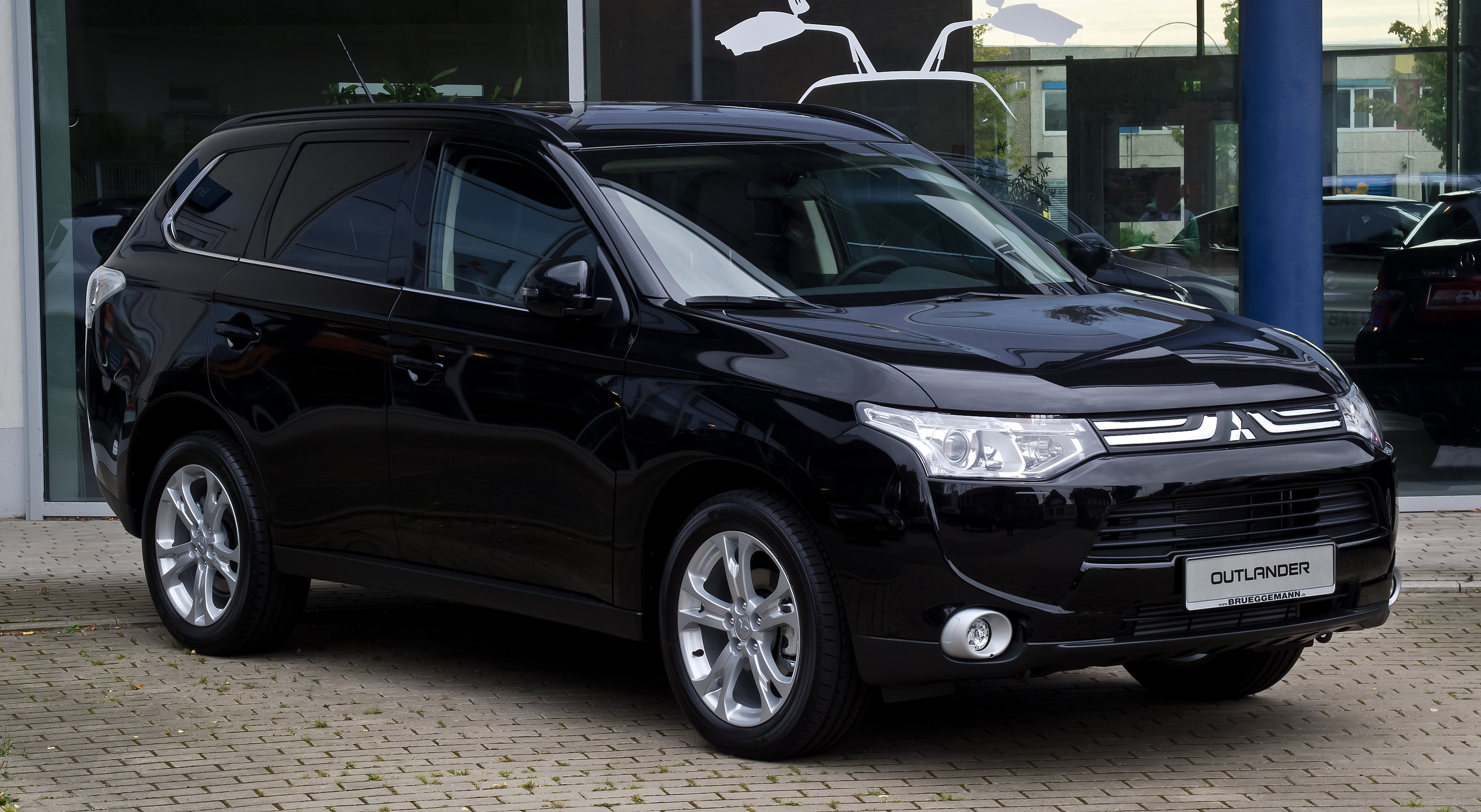 Mitsubishi Outlander photo 08