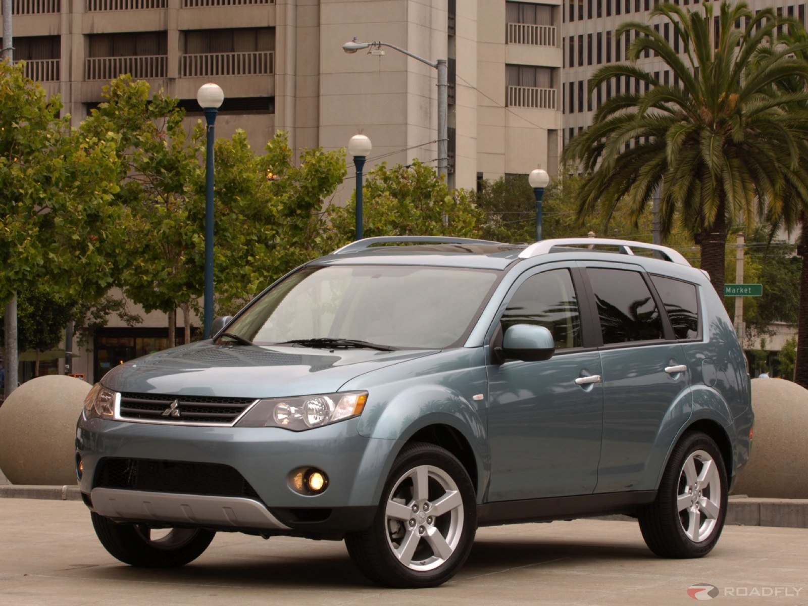 Mitsubishi Outlander photo 09