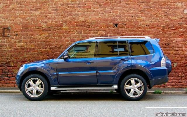 Mitsubishi Pajero Edition 20 photo 11