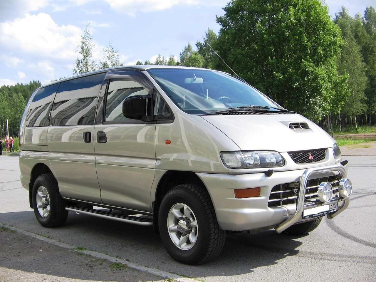 Mitsubishi Space Gear technical details, history, photos ...