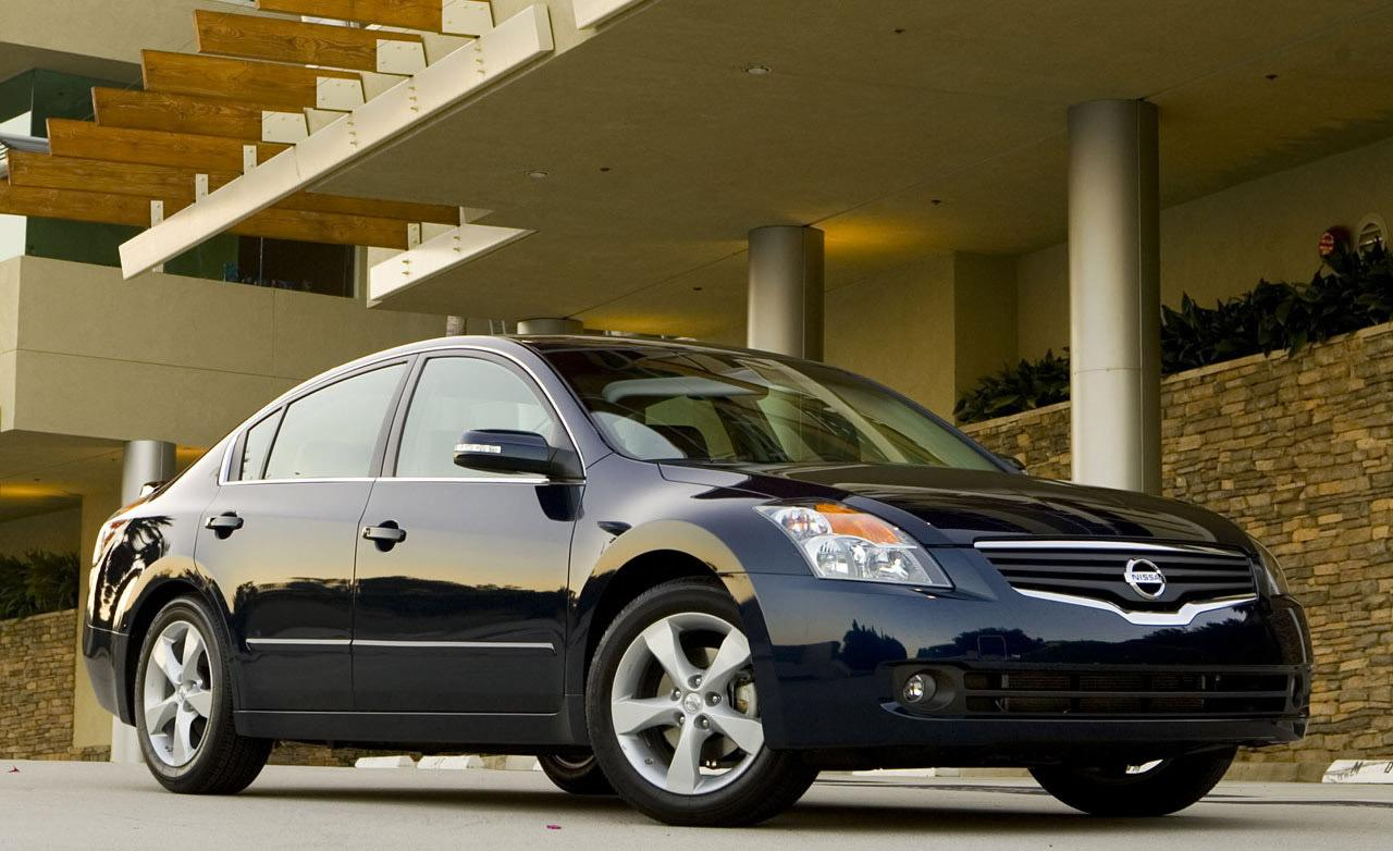 NISSAN Altima photo 14