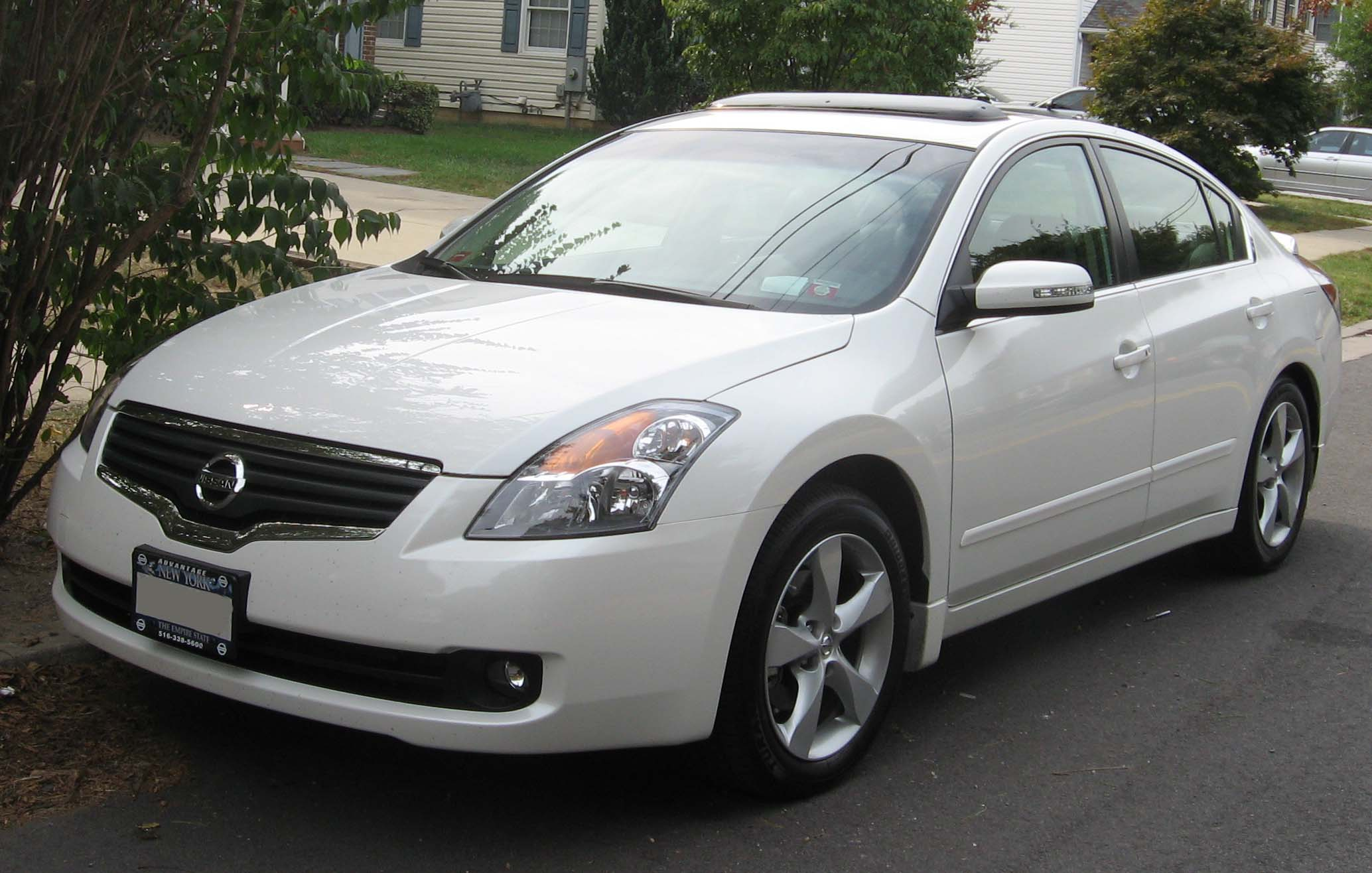 NISSAN Altima photo 15